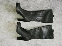 Knee high boots size 6/39