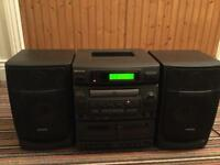 Aiwa compact disk stereo system