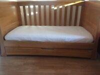 Mamas and Papas 'Ocean' cot bed