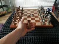 Chess set. Old lead pieces. 50 ONO