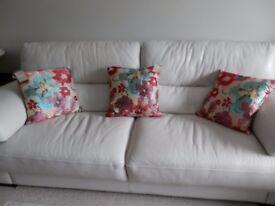 6 brand new cushions (£4 each )