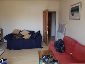 Fully furnished, Two Bedroom flat close to Aberdeen University, with study