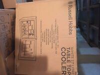BNIB Russell Hobbs RHCLRF17 Tabletop Refrigerator - 38.5 cm