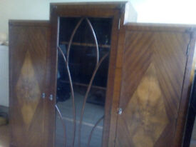 Display cabinet for living or dining room