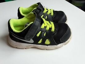 Nike Revolution 2 Trainers infant UK 7.5