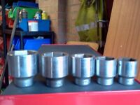 SNAP ON 3/4 DRIVE EUROTOOLS SOCKETS SIZES ARE 32MM 36MM 41MM 46MM AND 50MM ALL IN GOOD CONDITION.