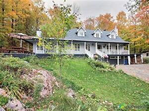362 000$ - Maison 2 étages à vendre à Val-Des-Monts