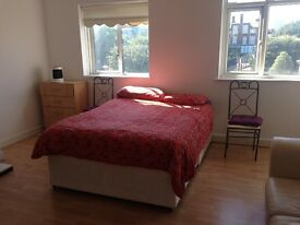 *Whitechapel*Sunny Double*Bills incld*Couples Welcome