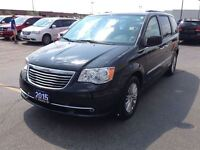 2015 Chrysler Town & Country LEATHER***NAV***SUNROOF***