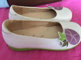 Fiona's Prince girls slip on shoes