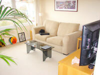*NO AGENCY FEES TO TENANTS* Stunning studio apartment located in heart of the City, available July.