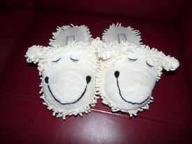 Ladies Cute Sheep Slippers - Size: 5-6