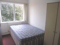 Amazing price! 3 bedroom flat in Raynes Park. SW20.