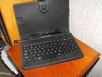 DURAGADGET Black Faux Leather Keyboard Tablet Case