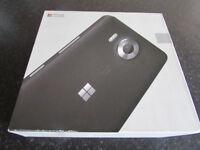 Unlocked, Mint Condition like new Microsoft Lumia 950 (white) Windows 10 Smartphone