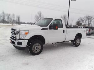 2015 Ford F-250 XL,4X4,REG CAB,LONG BOW,6.2L V8!!