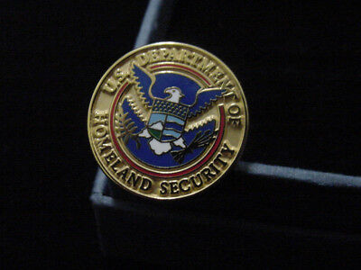 DEPARTMENT OF HOMELAND SECURITY LAPEL PIN NEW