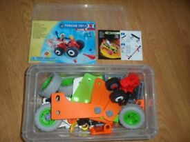2 x sets of meccano - Excellent condition