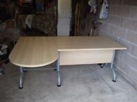 Good size L shaped desk