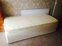 Single bed with mattress (can deliver)