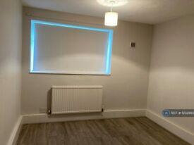 1 bedroom flat in Paddockhurst Road, Crawley, RH11 (1 bed) (#1202993)