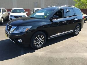 2014 Nissan Pathfinder SL, Automatic, Sunroof, Third Row Seating