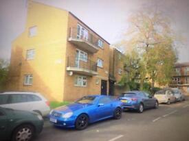 1 bedroom ground floor flat - W5 - Ealing £1300