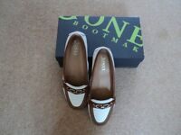 NEW TAN/WHITE LOAFERS