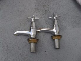 A PAIR OF TOP QUALITY BATH/SINK NEW TAPS