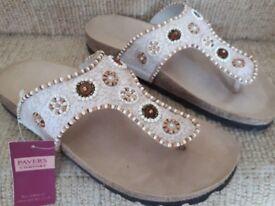 Ladies Pavers Sandals Mules Size 6