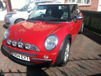 MINI COOPER 1.6 PETROL WITH SERVICE HISTORY VERY RELIABLE & LOOKS GREAT