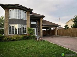 264 900$ - Jumelé à vendre à Chicoutimi Saguenay Saguenay-Lac-Saint-Jean image 2