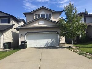 Beautiful Sherwood Park Home - Foxboro Double Attached Garage