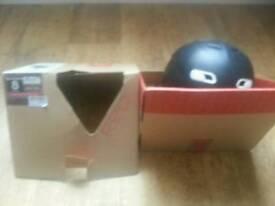 R.E.D Skycap II 2 Adult Ski / Snowboarding Helmet Small 55-57 cm Black
