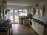 A BRAND NEW DOUBLE ROOM WITH ENSUITE LOCATED WITHIN EASY ACCESS TO TWICKENHAM AND HEATHROW