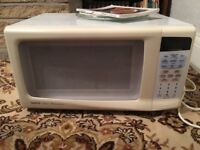 1000w Microwave - Perfect condition.
