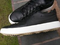 NIKE SPIKELESS GOLF SHOES