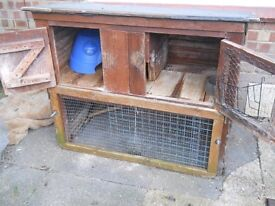 Large guinea pig hutch:( 2 level) with accessories