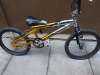 MAGNA NITROUS BMX BIKE, SUIT AGE 5 TO 11 YEARS, GOOD CONDITION, BARGAIN £30, CAN DELIVER