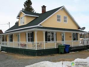 208 000$ - Maison à un étage et demi à vendre à Rouyn-Norand