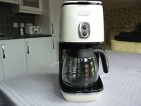 ABSOLUTE BARGAIN! DELONGHI FILTER COFFEE MAKER. RARELY USED. ONLY £40!