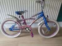 """GIRLS 18"""" BIKE. """"STREETFOX NEW ATTITUDE"""".GREAT CONDITION,ALL FULLY WORKING.READY TO RIDE AWAY."""
