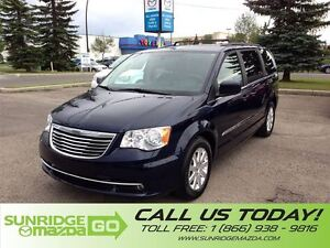 2016 Chrysler Town & Country LIKE NEW, LOW KMS, 7 PASSENGER, DVD