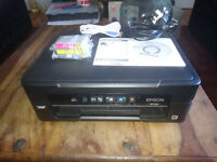 EPSOM ,ALL IN ONE PRINTER/SCANNER, XP-225 ,MINT CONDITION.