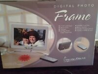 Signature Digital Photo Frame-In Excellent Condition-In Good Working Order-Proceeds To Local Charity