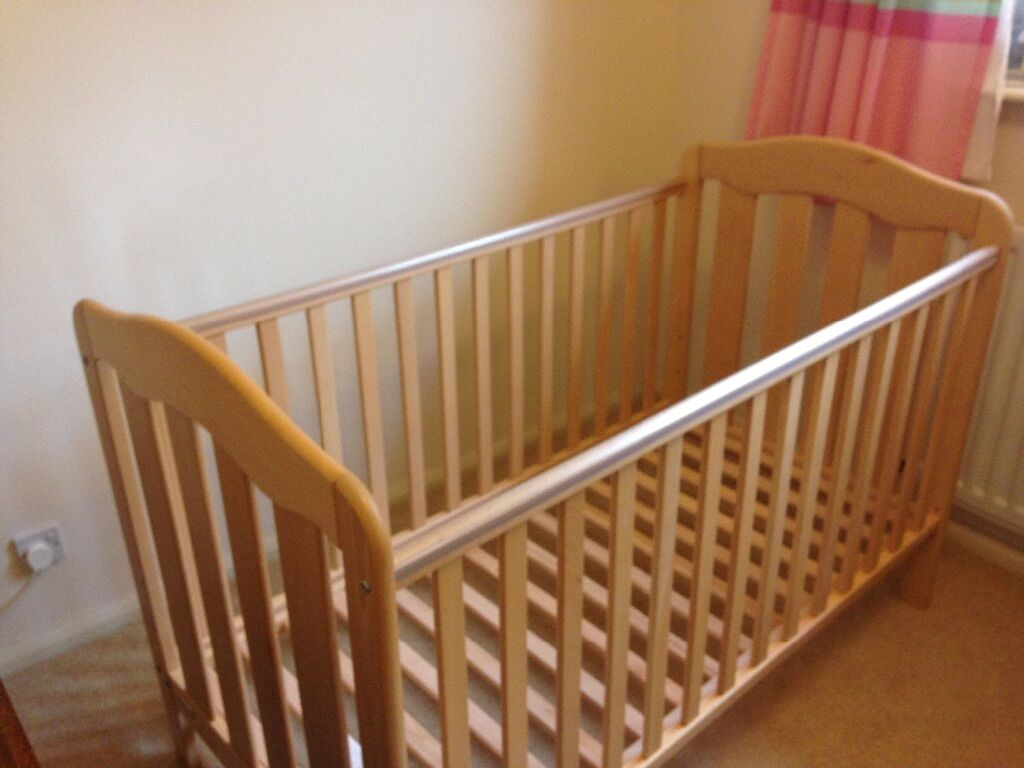 Mamas Papas Eloise Cot Bed For Sale Very Good Condition With