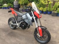 BMW 650X supermoto In excellent condition. recently resprayed to original colours.