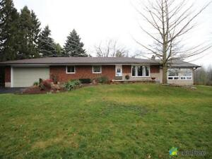 $786,000 - Bungalow for sale in Dundas