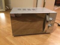 700W Silver Morrisons Microwave