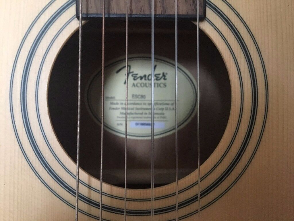 Fender Acoustic Guitar - 3/4 size (good for carrying around) - As new condition.